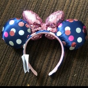 Disney Minnie ears.